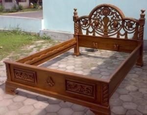 Tempat Tidur Ukir Jati Tiara