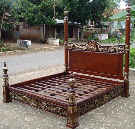 Tempat Tidur Jati Ukiran Naga