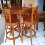 Meja Cafe Bundar Modern