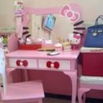 Meja Rias Hello Kitty Anak Terbaru
