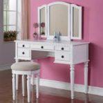 Meja Rias Sayap Warna Putih