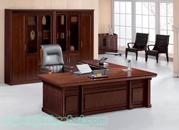 Meja Kantor Direktur Minimalis Jepara