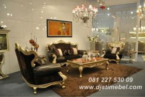 Kursi Tamu Sofa Mewah Warna Emas