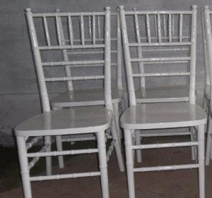 Kursi Tiffany Warna Putih Duco
