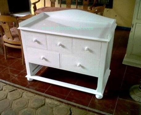 Dresser Cat Duco Model Minimalis