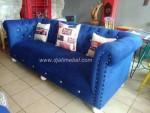 Sofa Chester Warna Biru Klasik