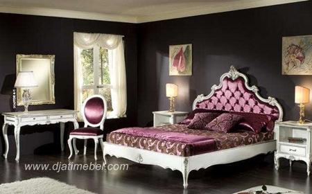 Tempat Tidur Ukiran Warna Putih Modern