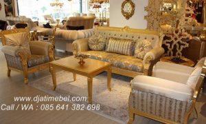 Set Sofa Ruang Tamu Mewah Warna Emas