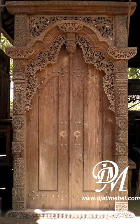 Pintu Gebyok Jati Ukir Klasik
