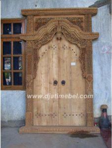 Pintu Gebyok Jati Ukir Relief