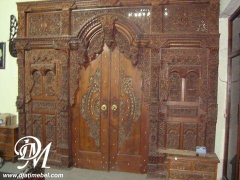 Pintu Gebyok Mewah Ukir Sriwijaya