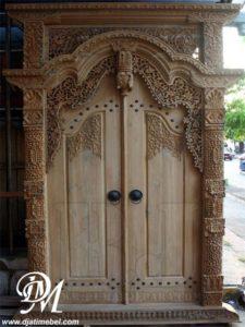 Pintu Gebyok Mewah Ukiran Kudus