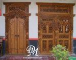 Pintu Rumah Jawa Gebyok Jati Ukir