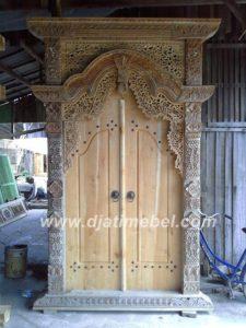 Pintu Ukir Gebyok Kayu Jati
