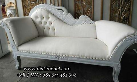 Sofa Santai Pengantin Warna Putih