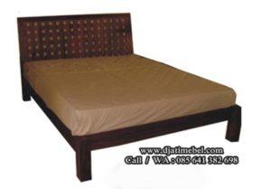 Tempat Tidur Minimalis Model Simpel