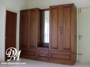 Almari Pakaian Pintu 4 Laci Klasik