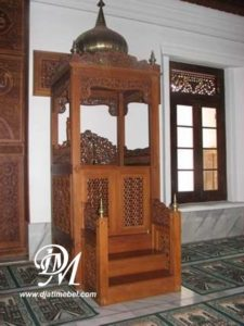 Mimbar Masjid Kubah Ukir Jepara