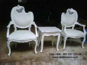 Kursi Teras Daun Rococo Ukir Putih Duco