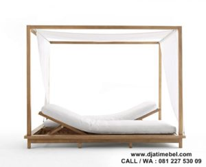 Dipan Outdoor Model Lounger Jati Solid