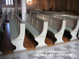 Bangku Kursi Gereja Klasik Duco Putih