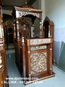 Mimbar Masjid Ukir Jati Natural Emas
